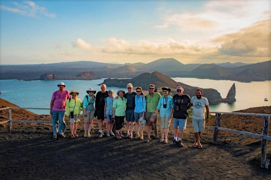Turistas en Isla Bartolomé